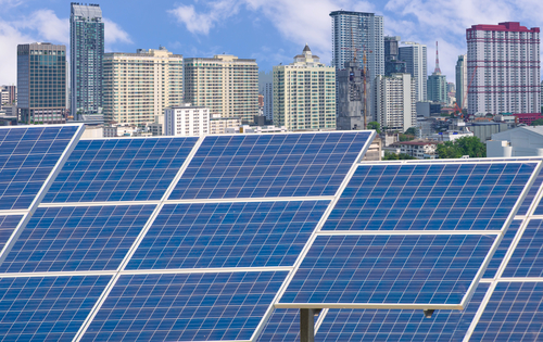 Switching to Solar Panels: The Solution for Pollution and for Your Budget?